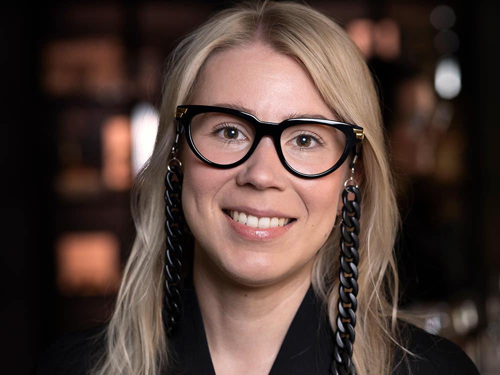 Elin - Optiker på Södermalm